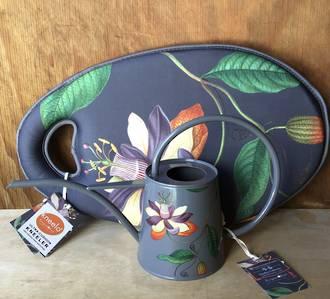 Passiflora Kneelo & Watering Can