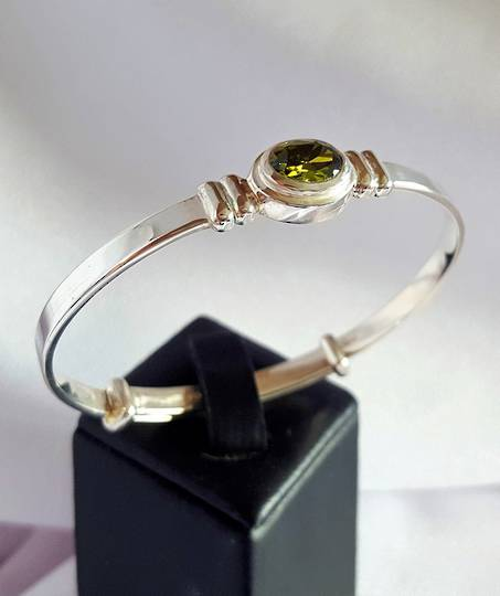 Sterling silver August birthstone baby bangle