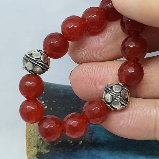 Natural carnelian beads and silver bracelet