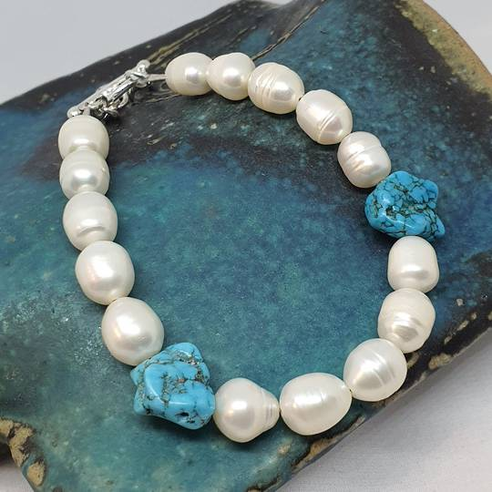Fresh water pearls and tumbled turquoise bracelet