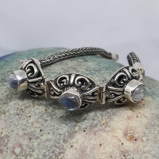 Delicate moonstone gemstone bracelet