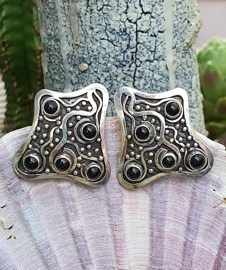 CLIP ONS - onyx and silver earrings