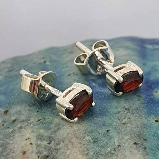 Small rectangle garnet silver stud earrings