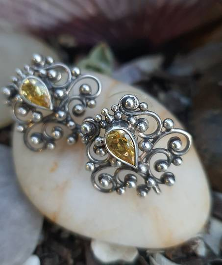 Sterling silver filigree stud earrings