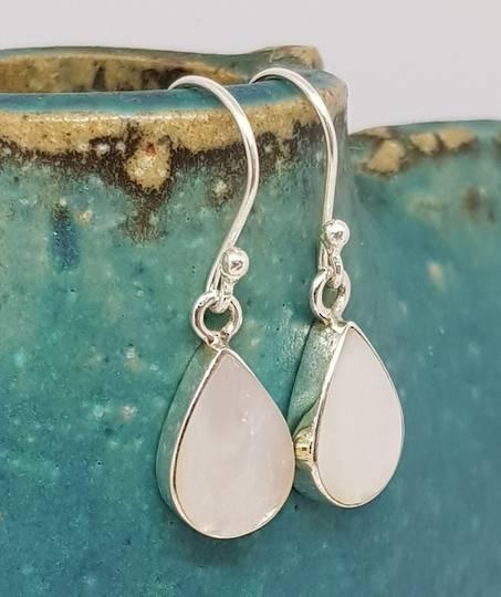 Teardrop mother of pearl earrings