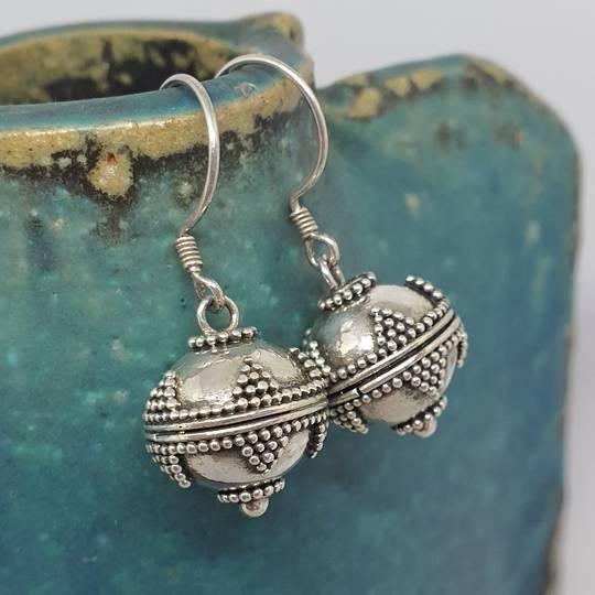 Sterling silver detailed sphere earrings