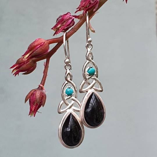 Silver onyx earrings with infinity knot and turquoise gemstone