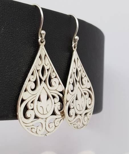 Large teardrop motif cutout earrings