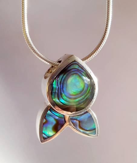 NZ paua shell pendant