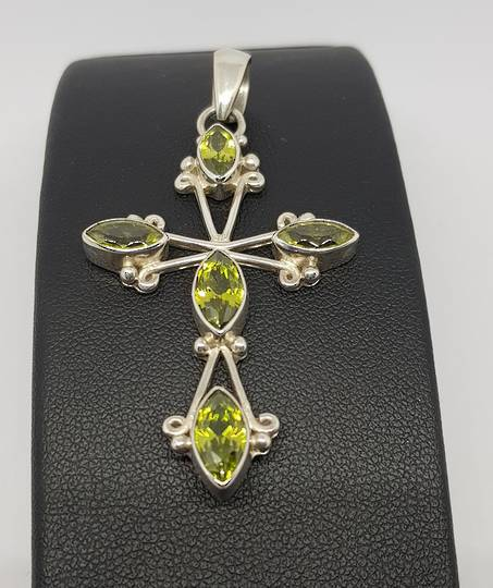 Green peridot pendant cross