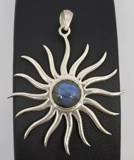 Sterling silver starburst pendant with labradorite