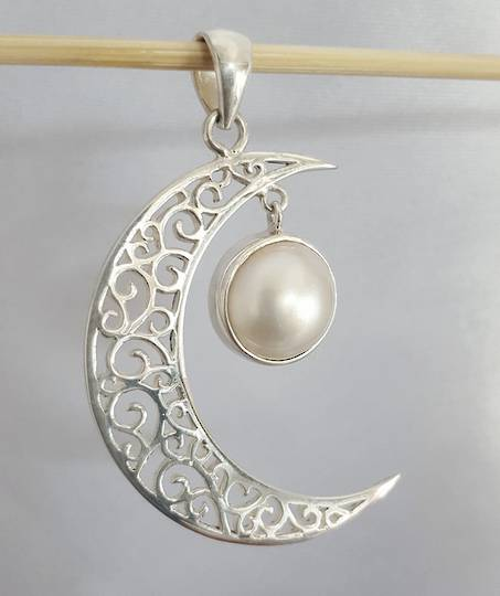 Silver crescent moon pendant with pearl