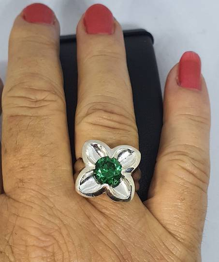 Sterling silver flower ring with green quartz