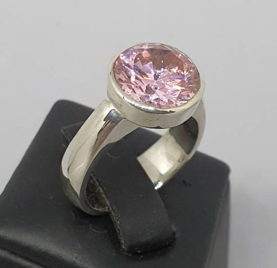 Pretty pink silver ring with sparkle plus