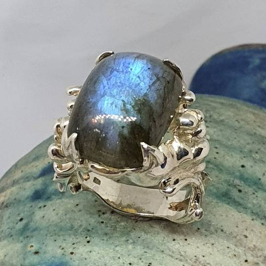 Chunky sterling silver labradorite gemstone ring