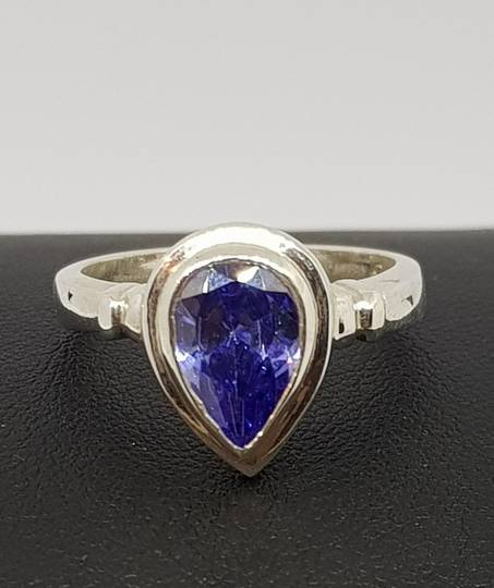 Sterling silver synthetic tanzanite ring