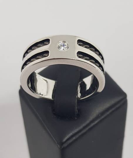 Sterling silver men's ring, wide band, single small cz in top