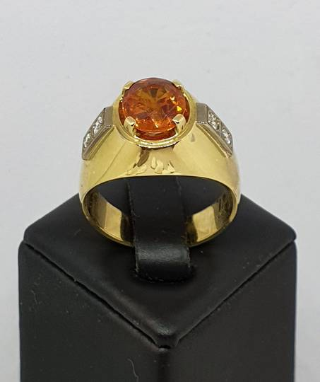 18ct yellow gold modern sapphire and diamond ring