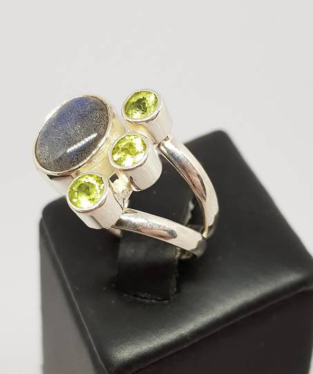 Sterling silver labradorite and peridot gemstone ring
