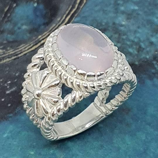 Sterling silver rose quartz flower ring