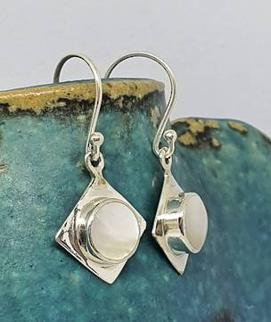Silver mother of pearl small drop earrings