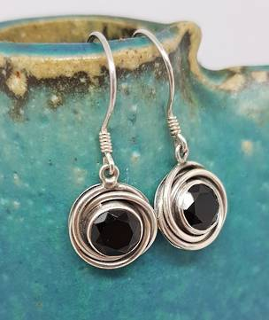 Round silver earrings with facet cut onyx gemstone
