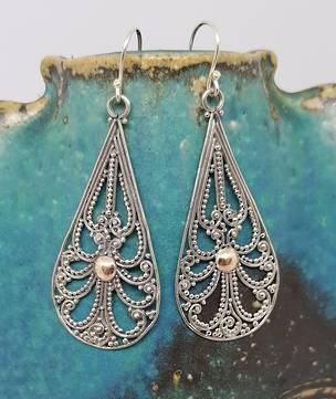 Elongated teardrop filigree earrings