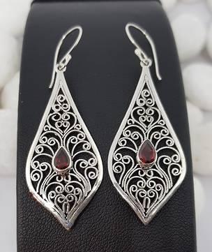 Sterling silver filigree kite shaped earrings with garnet