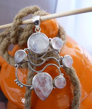 Marvellous Moonstone Pendant - Elegant and Stylish