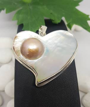 Mother of pearl asymmetrical heart pendant