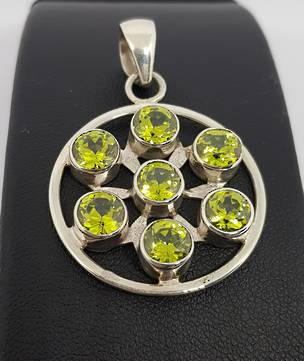 Sterling silver green peridot pendant