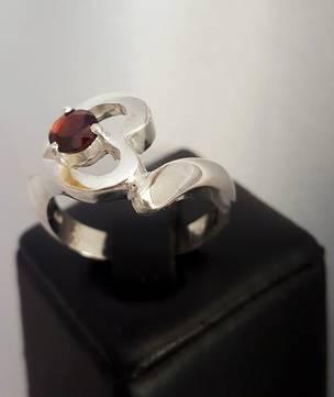 Silver heart ring with garnet gemstone