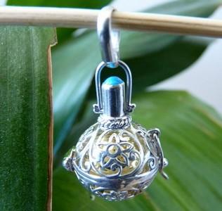 PP346 turquoise filigree meditation pendant