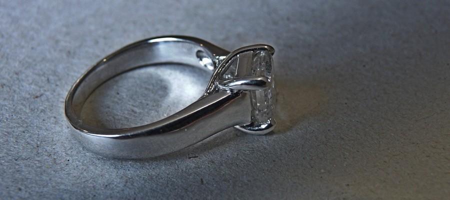 rhodium plating white gold ring band