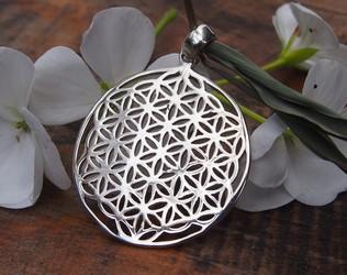 romantic silver pendant