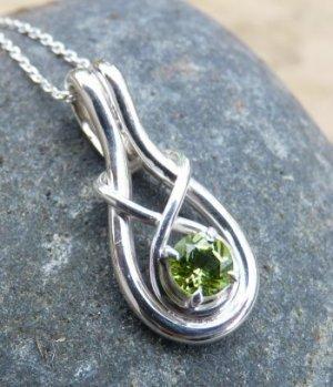 silver celtic love knot 1