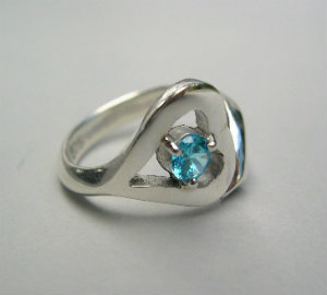 silver heart ring with blue topaz(copy)