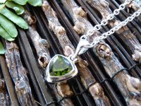 silver peridot pendant triangle shape 1