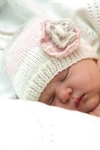 Baby Cakes Primrose Hat 4 ply