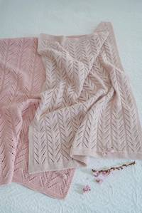 Baby Cakes Baby Bunting Blanket 8ply or 4ply
