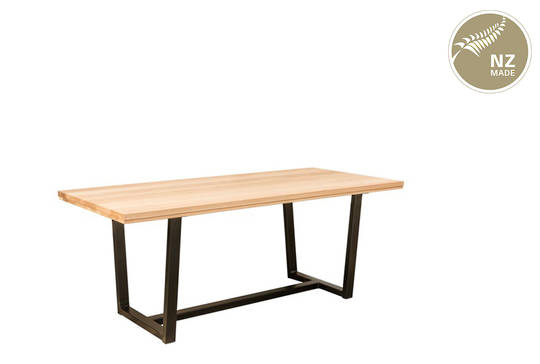 Thorndon Tapered  Base 1800 Table  & Barleaner