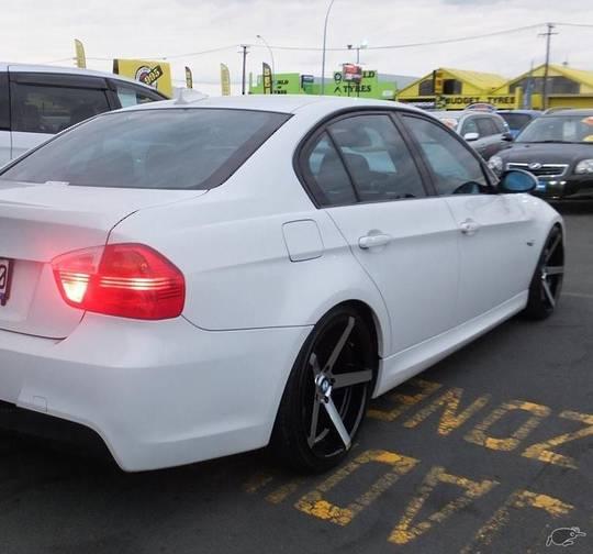 BMW E90 2005-2011