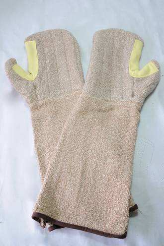 Long Oven Mitt (Pair) 430mm Multi purpose, Oil Block Barrier, Rated 230 deg C.