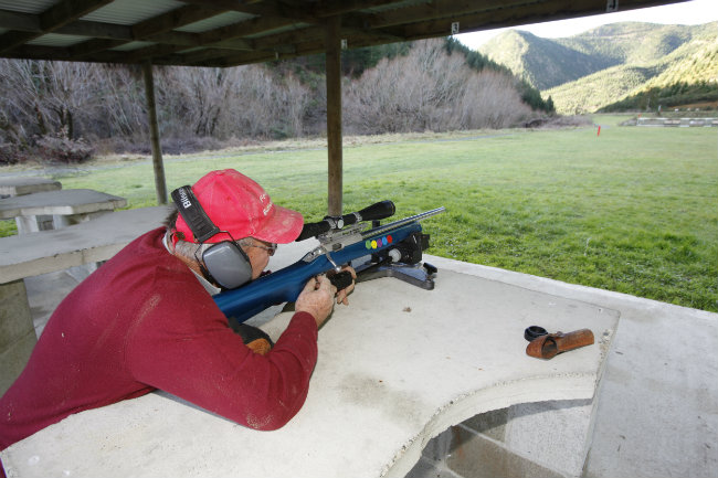 0717 Graeme Smith Packers Creek rifle range 2014 650