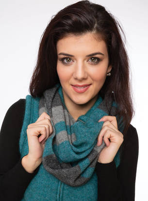 KO1016 Colour Block Loop Scarf