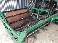 Burkhart SINGLE BALE FEEDER  Bale Wagon/Feedout