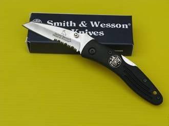 Smith & Wesson Hawkbill Tanto Pocket Knife - CH007SER