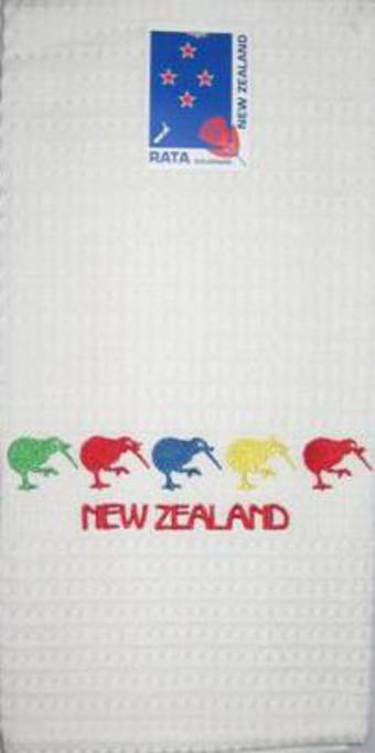 """5 Kiwis"" tea towel white. Code: S760/WHI."