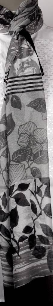 Printed  scarf black Style:SC/4219/BLK