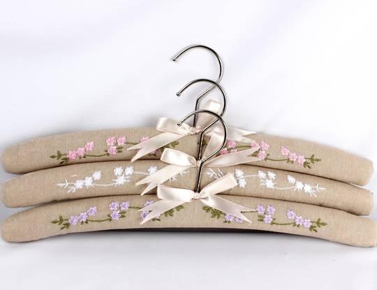 Printed padded coat hangers-set of 3 'Garden Linen' Code:EH-GAR/LIN